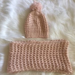 Jessica Simpson Hat & Scarf Set